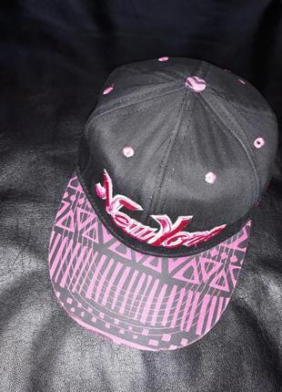 Снепбек кепка бейсболка с прямым козырьком urban legends premium headwear