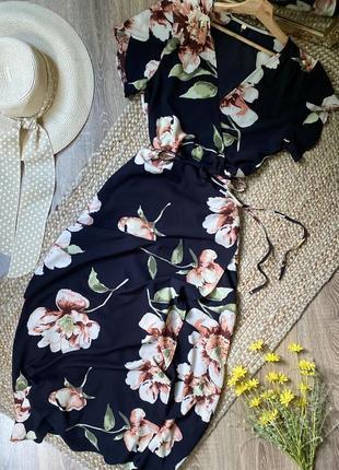 Шикарное платье в крупный цветочный принт