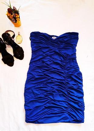 Шикарное платье очень красивое