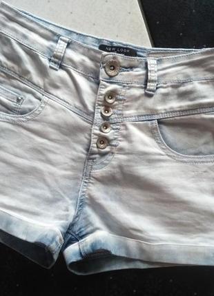 Джинсовые светлые шорты