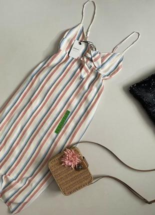 Новое крутое платье миди в полоску с завязкой спереди stradivarius