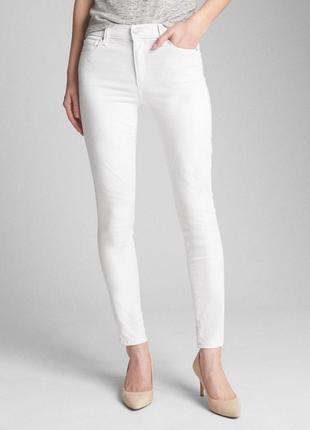 Белые джинсы gap.