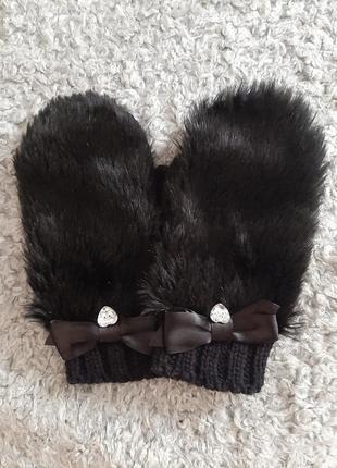 Оригинальные меховые варежки, варежки перчатки с украшением
