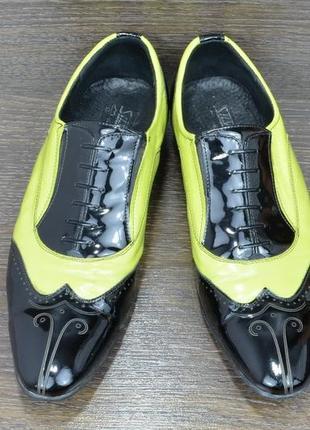 Шикарні та оригінальні чоловічі лакові туфлі silver