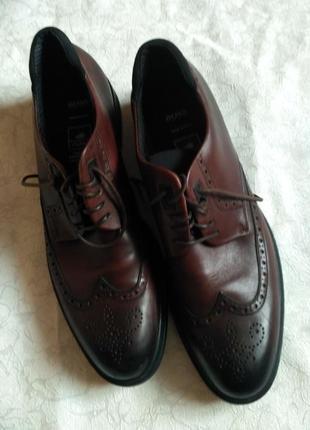 Класичні чоловічі туфлі на немаленьку ніжку