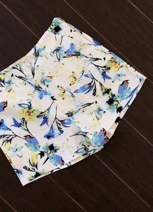 Красивые фактурные шорты в цветочный принт высокая посадка