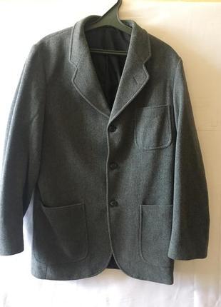Серый пиджак quo