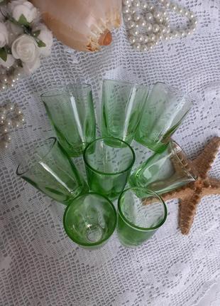 Рюмки стопки ссср зеленое стекло урановое маркированы лафитник