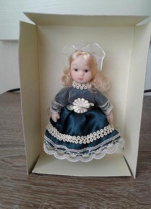 Кукла керамическая коллекционная - collectible ornament