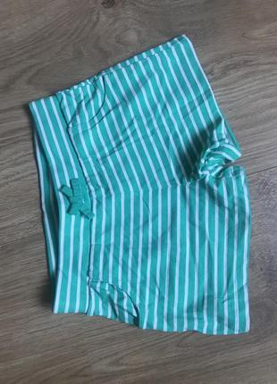 Легкие хлопковые шорты в полоску с карманами