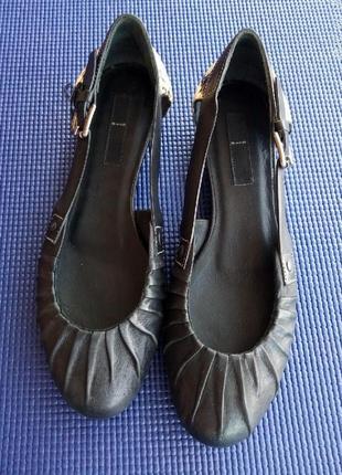 Sand: кожаные туфельки от датского бренда