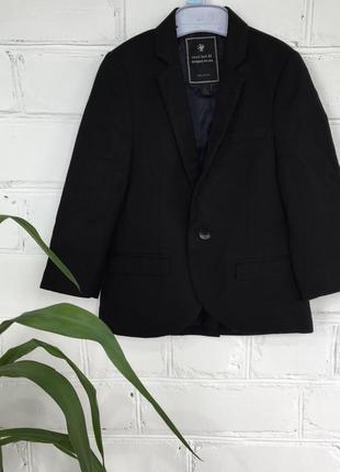 Классический чёрный пиджак next