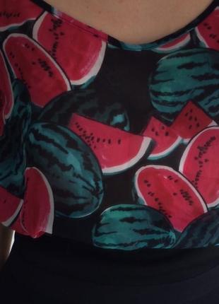 Маечка с  ягодным  принтом