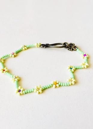 Цветочный браслет из бисера, фенечка из бисера, салатово-желтый браслет