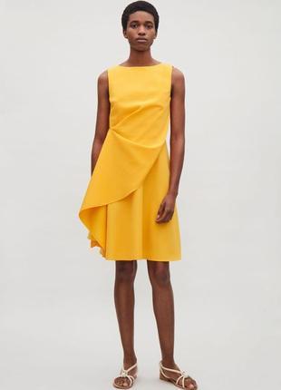 Желтое платье cos