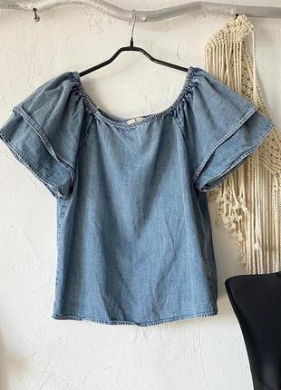 Топ джинсовый с коротким рукавом воланами, на резинке. можно открывать плечи. tu.
