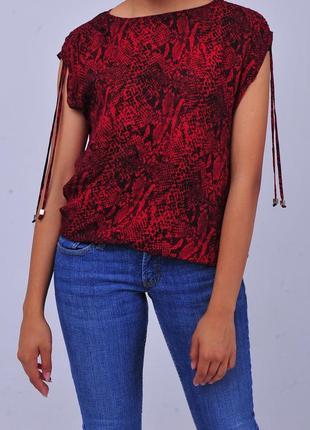 Красная черная блуза блузка в змеиный принт питон майкл корс michael kors майка футболка
