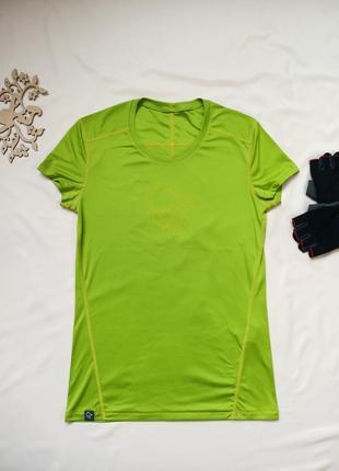 Спортивная футболка салатового цвета, размер на eur 28/наш 44/м-ка