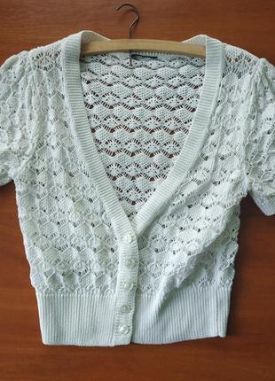 Белое вязанное болеро