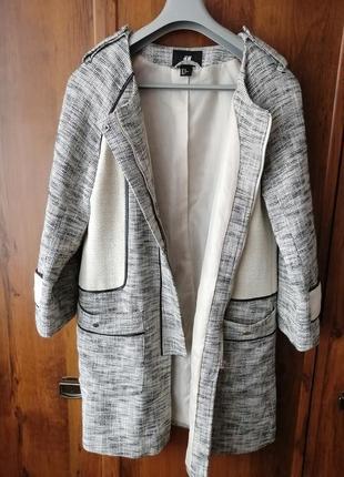Стильное пальто  на осень /весну
