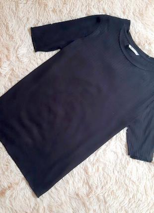 Качественная трикотажная футболка в рубчик от tu