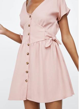 Нежно-розовое платье на пуговках zara