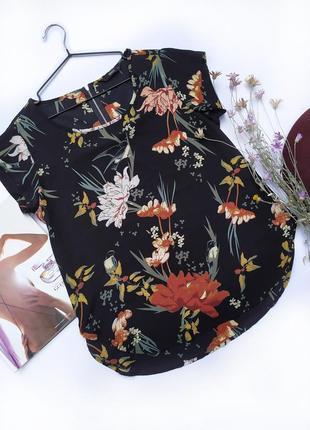 Черная блузка футболка свободного кроя в цветочный принт вискоза only