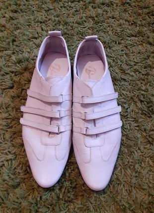 Кроссовки кожаные bata