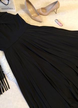 Мега крутое роскошное платье с плиссированной юбкой и супер декольте, р.12/40 ...👠💄💋