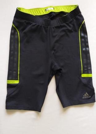 Спортивные шорты adidas размер m