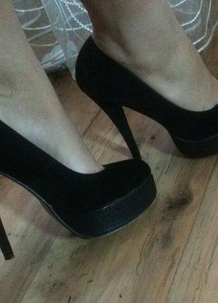 Чёрные замшевые туфли на высоком каблуке удобные красивые