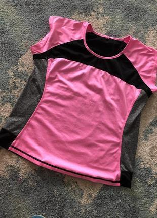 Спортивная футболка с сеткой