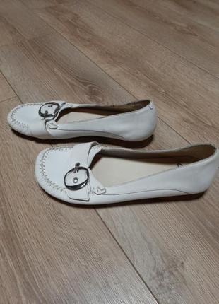 Кожаные удобные туфли балетки