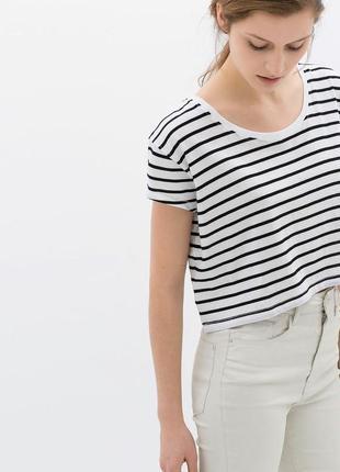 Короткая футболка  с замочком