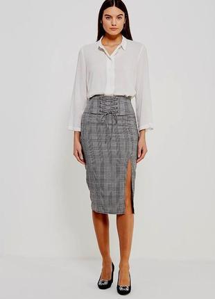 Тканевая новая юбка прямого кроя на высокой посадке с завязками и вырезом слева sale
