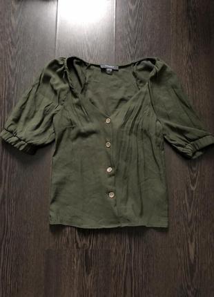 Актуальная блуза с объёмными рукавами рукавами
