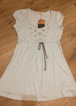 Актуальная удлиненная футболка блуза