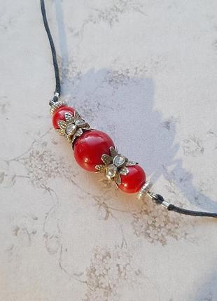 Колье чокер ожерелье красн бусин украшение на шею ручн раб шнур корал