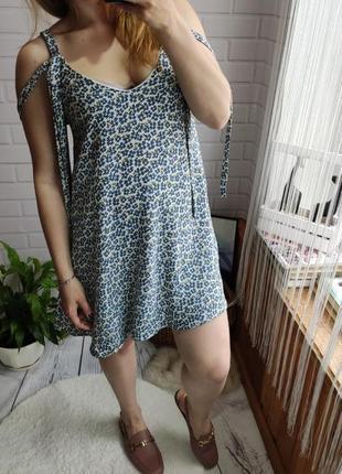Нежное платье / сарафан zara в цветочный принт