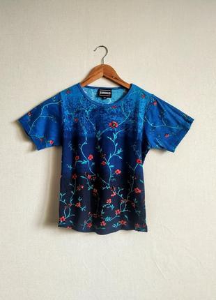 Эффектная хлопковая футболка в цветочный принт градиент от zobras