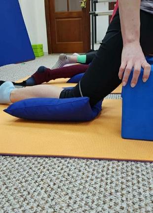 Подушка для растяжки под ноги,подушка под ноги,подушка на пол для занятий спортом