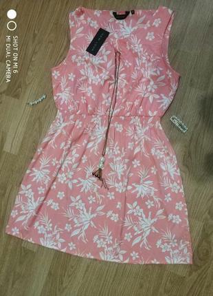 Красивое коралловое белое платье резинка в цветы бренда new look, размер 14