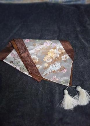 Шелковая салфетка- с кистями, длина 1.2 м