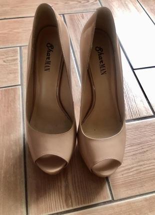 Туфли бежевые 39