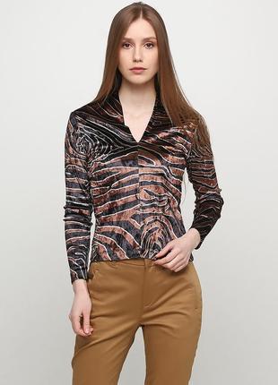 Коричневая с тигровым узором блузка uterque демисезонная