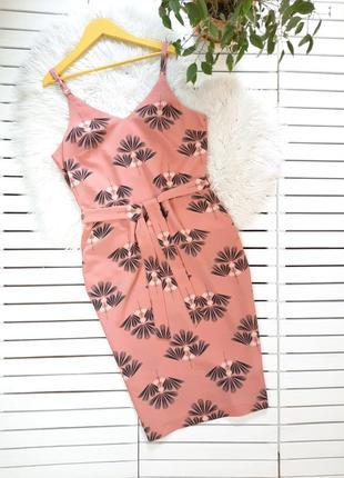Красивое платье миди с поясом next p. l