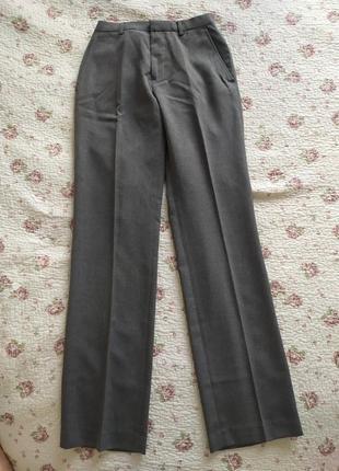 Стильні сірі брюки