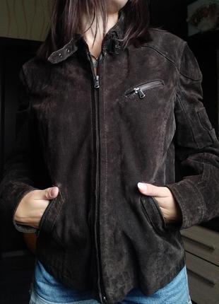 Жіноча курточка