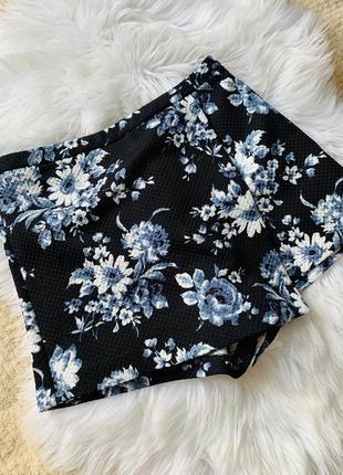 Шорты-юбка new look, размер s/m , состояния идеальное .