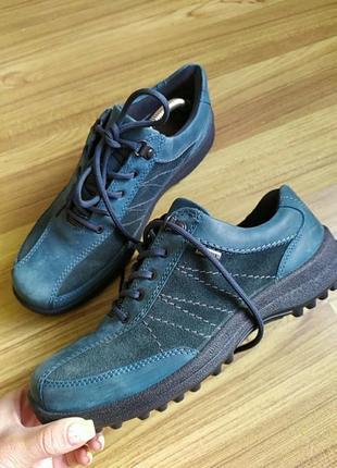 Шкіряні кросівки gore-tex